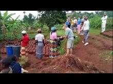 Embedded thumbnail for Nos pas franchis grâce aux actions de solidarité ( original en Kinyrwanda))